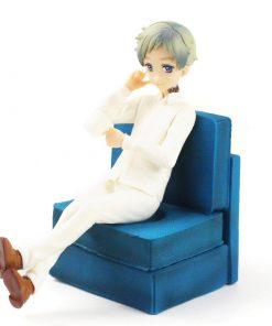 figurine Norman de The Promised Neverland avec canapé